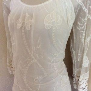 Bellambra designer lace top